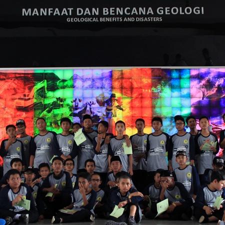 Study Tour Bandung 2019 - SMP Al Hidayah